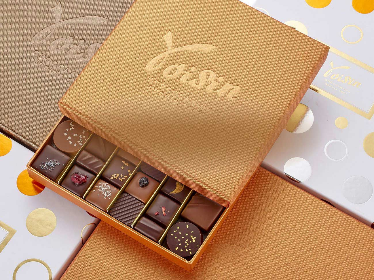 Plusieurs boîtes de chocolats Voisin